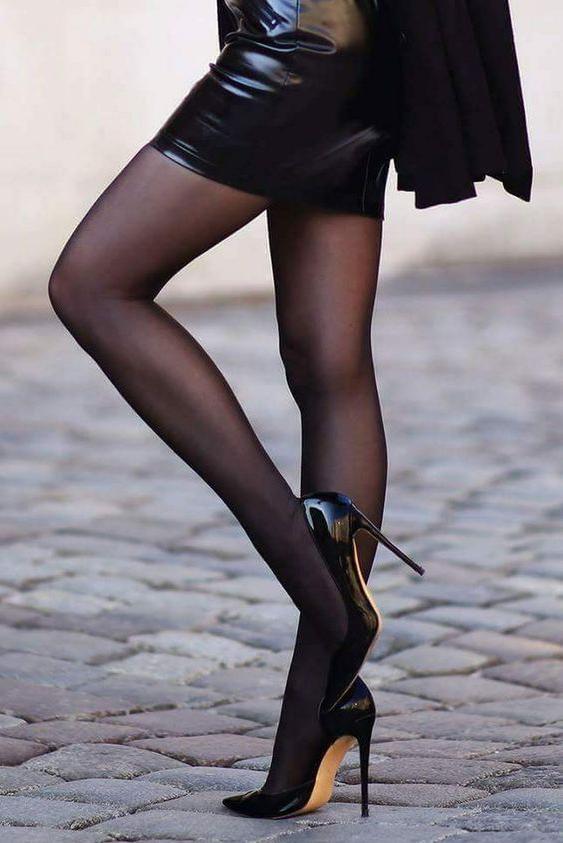 一组性感丝袜美腿鉴赏